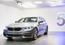 AutoWereld kon de nieuwe BMW 5 Reeks (G30) reeds betasten en besnuffelen. En we hadden een videocamera mee. Bekijk ons YouTube-filmpje!