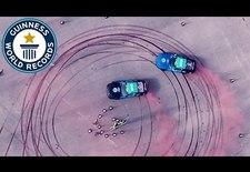 Twee Fords Mustangs hebben het Guinness World Record voor de