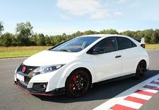 Honda keert (eindelijk) terug naar de wereld van de sportievelingen. Niet alleen met de NSX in 2016, maar nu al met de Civic Type R, de snelste voorwielaandrijver van het moment op de Nürburgring.