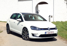 Volkswagen investeert massaal in plug-inhybrides.  Zoals deze Golf GTE die bijna een GTI is.