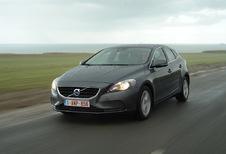Volvo V40 D2 Powershift Momentum R-Design (2015)