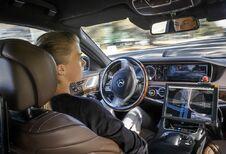 De jeugd vertrouwt de zelfstandige auto niet