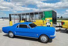 Levensgroot schaalmodel in lego van een Mustang van 1964