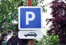 Mercedes et Bosch : Une signalisation pour les places de parking