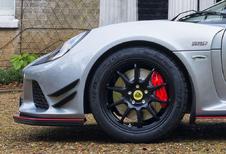 Lotus Exige Sport 380 rolt de spierballen