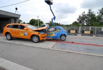 Fiat 500 vs Audi Q7 #1