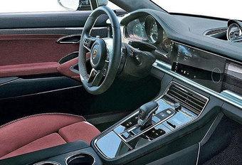 Porsche Panamera: cockpit gelekt #1