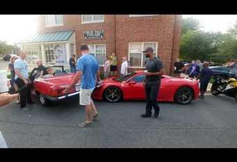 Marche arrière ratée : une Mercedes sur une Ferrari #1