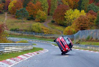 Rond de Nürburgring in een Mini … op twee wielen #1