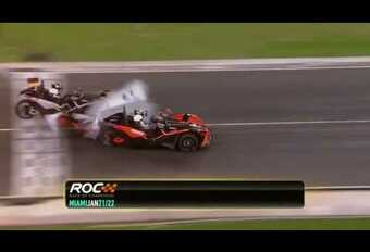 Indrukwekkende crash op de Race of Champions #1