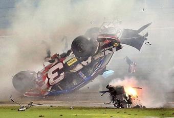 Aanloop naar de Daytona 500 2017, video's van de spectaculairste NASCAR-crashes  #1