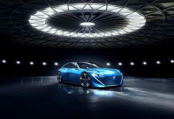 Peugeot Instinct : concept autonome connecté aux objets #1