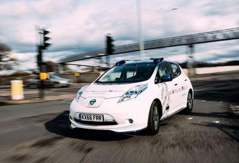 Demonstratie met zelfstandige Nissan Leaf in Londen #1