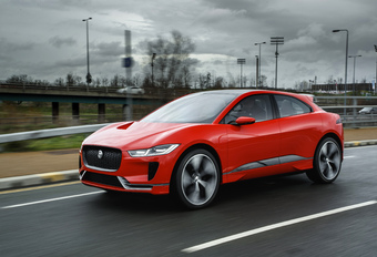 Jaguar I-Pace duikt op in straten van Londen #1
