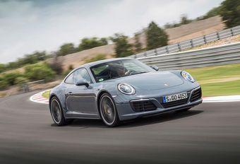 Porsche 911 krijgt geconnecteerde diensten en een kit met 30 pk meer #1
