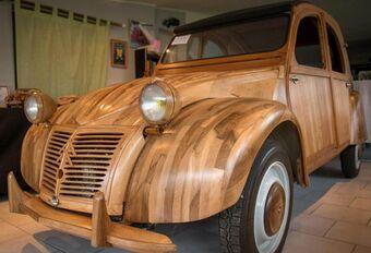 Il fabrique une 2 CV en bois… qui roule #1