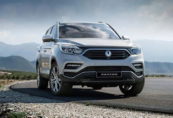 SsangYong Rexton: grote en chique SUV #1