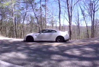 BIJZONDER: Nissan GT-R is na slechts 3.000 km klaar voor de sloop #1