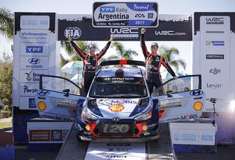 Neuville wint na echte thrillerfinale ook rally van Argentinië!