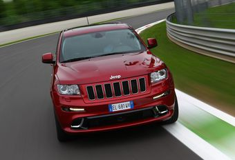 Jeep Cherokee SRT8 #1