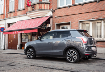 SSANGYONG TIVOLI - Floppers #1