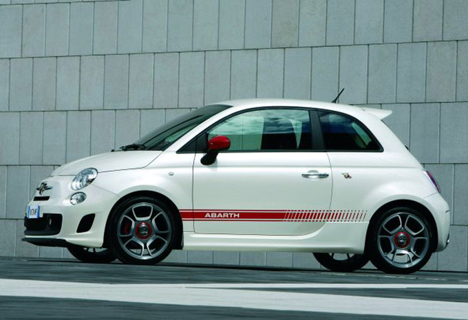 abarth 500 1 4 t 2008 prix moniteur automobile. Black Bedroom Furniture Sets. Home Design Ideas