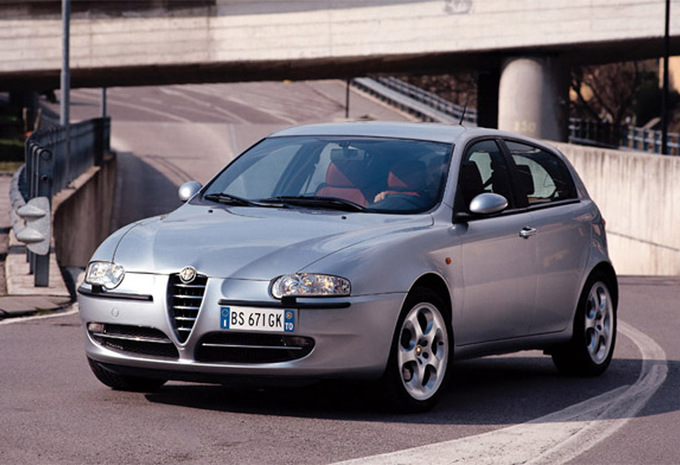 sp cifications techniques alfa romeo 147 5p 1 9 jtd 115 distinctive 2000 moniteur automobile. Black Bedroom Furniture Sets. Home Design Ideas