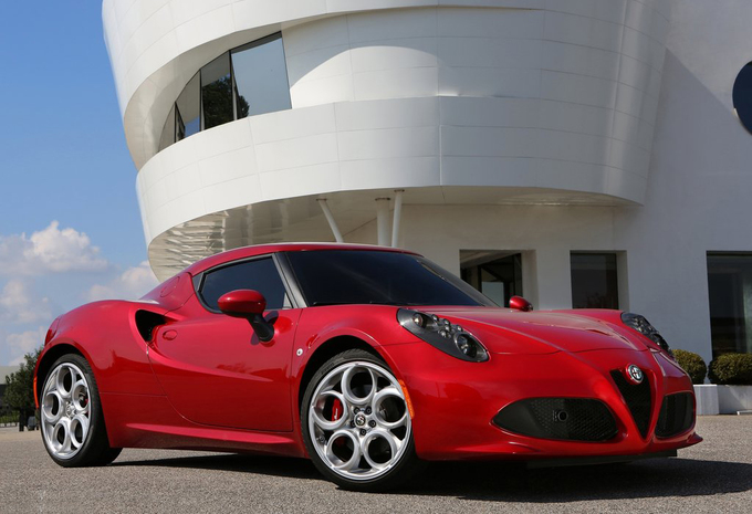 alfa romeo 4c 4c launch edition 2013 prix moniteur. Black Bedroom Furniture Sets. Home Design Ideas