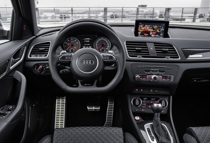 audi rs q3 2 5 tfsi perf 250kw s tronic quattro 2016 prix moniteur automobile. Black Bedroom Furniture Sets. Home Design Ideas