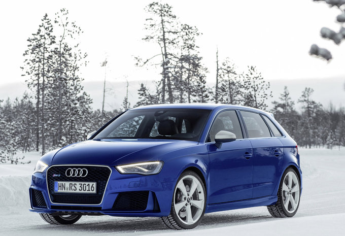 audi rs3 sportback 2 5 tfsi s tronic 2016 prix moniteur automobile. Black Bedroom Furniture Sets. Home Design Ideas