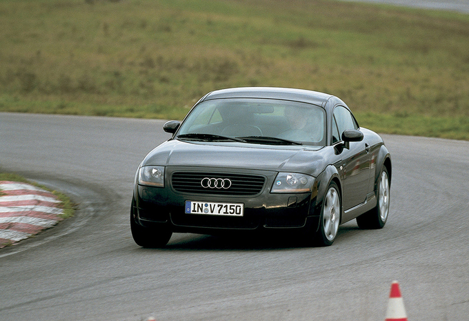 sp cifications techniques audi tt 1 8 ambition tiptronic 1998 moniteur automobile. Black Bedroom Furniture Sets. Home Design Ideas