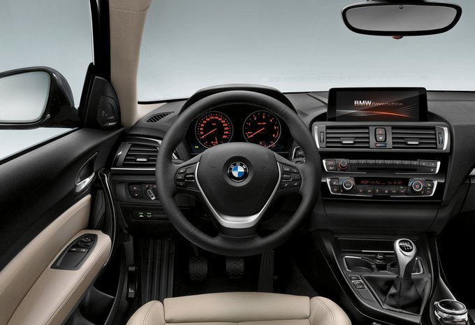 sp cifications techniques bmw s rie 1 sportshatch 118i 100 kw 2017 moniteur automobile. Black Bedroom Furniture Sets. Home Design Ideas