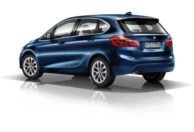 bmw s rie 2 active tourer 5p mm 225xe prix moniteur automobile. Black Bedroom Furniture Sets. Home Design Ideas