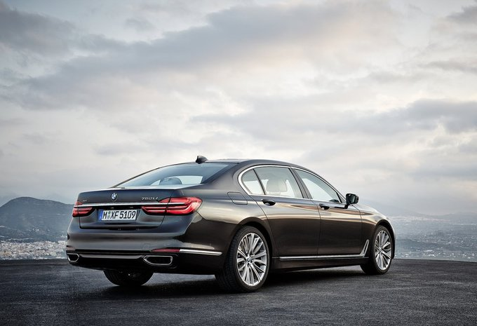 bmw s rie 7 berline 4p sa 730d xdrive 195 kw prix. Black Bedroom Furniture Sets. Home Design Ideas