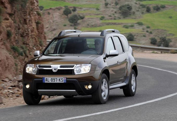 dacia duster 1 5 dci 90 4x2 ambiance 2010 prix moniteur automobile. Black Bedroom Furniture Sets. Home Design Ideas