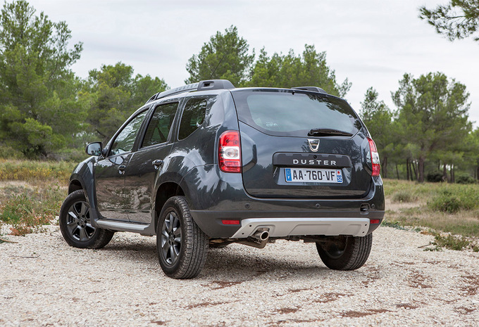 sp cifications techniques dacia duster dci 110 4x2 sl blackstorm 2014 moniteur automobile. Black Bedroom Furniture Sets. Home Design Ideas