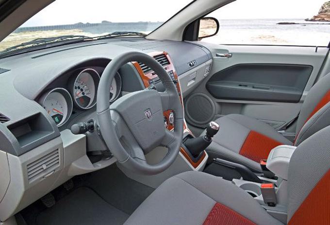 Dodge Caliber 2 0 Crd Sxt 2006 Technische Gegevens Autogids