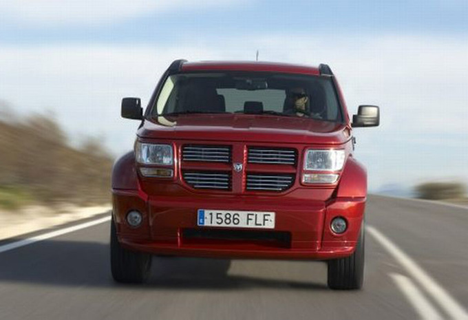 dodge nitro 2 8 crd 4wd sxt 2007 prix moniteur automobile. Black Bedroom Furniture Sets. Home Design Ideas