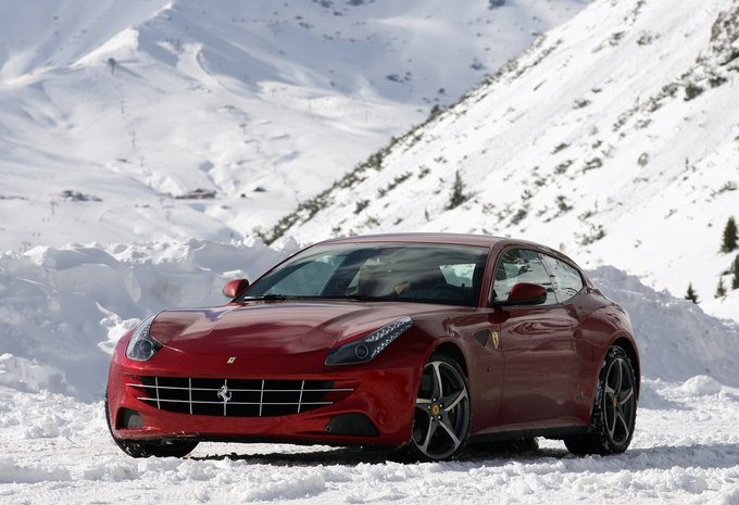 ferrari ff ff 2015 prix moniteur automobile. Black Bedroom Furniture Sets. Home Design Ideas