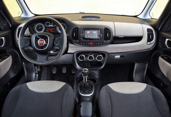 fiat 500l living 1 4 turbo 88kw pop star 2017 prix moniteur automobile. Black Bedroom Furniture Sets. Home Design Ideas