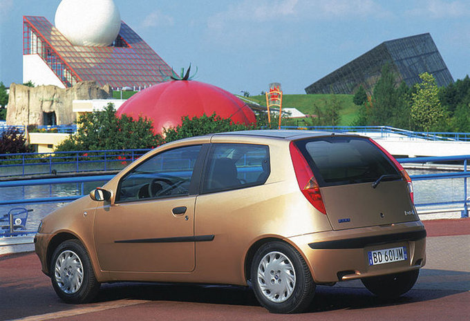 prijs fiat punto 3d 1 2 16v elx speedgear 1999 autogids. Black Bedroom Furniture Sets. Home Design Ideas