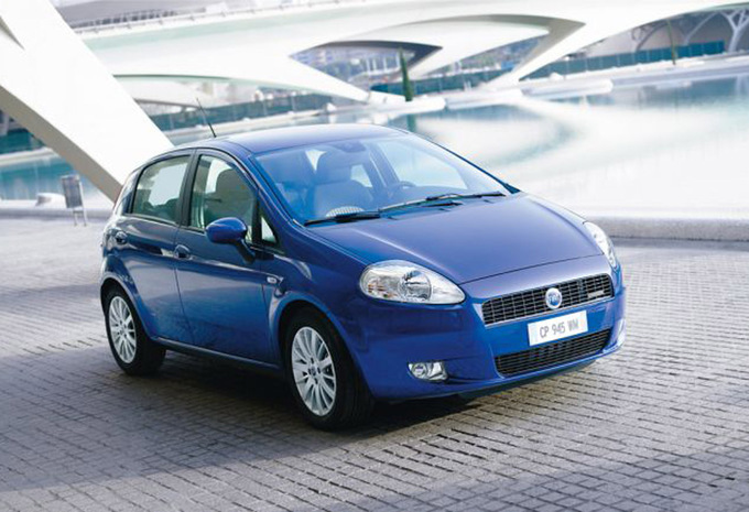 fiat punto 5p 1 2 8v actual 2005 prix moniteur automobile. Black Bedroom Furniture Sets. Home Design Ideas