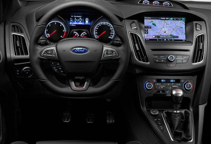 ford focus 5p ecoboost 257kw 4x4 rs 2017 prix moniteur automobile. Black Bedroom Furniture Sets. Home Design Ideas