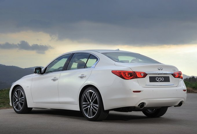 infiniti q50 berline q50 s hybrid 2014 prix moniteur automobile. Black Bedroom Furniture Sets. Home Design Ideas