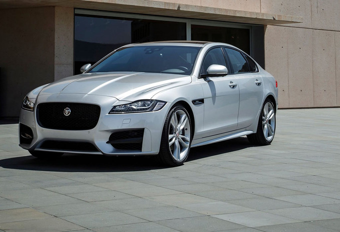 jaguar xf 3 0 v6 250kw aut 4x4 r sport 2018 prix moniteur automobile. Black Bedroom Furniture Sets. Home Design Ideas