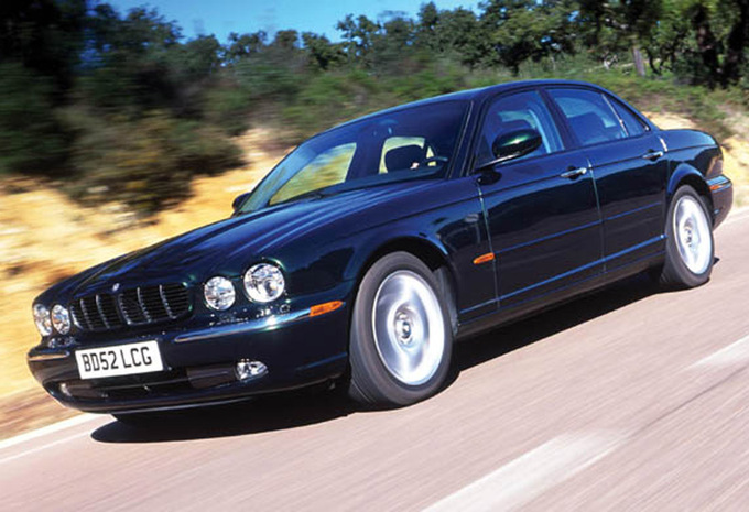 jaguar xj xj8 4 2 collection 2003 prix moniteur automobile. Black Bedroom Furniture Sets. Home Design Ideas