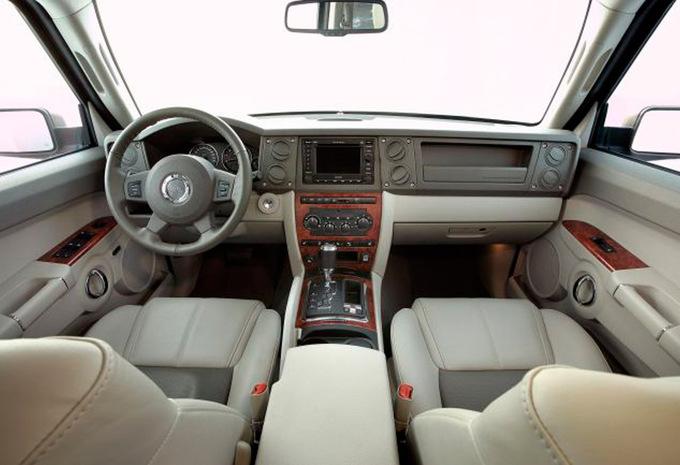 prijs jeep commander 5 7 v8 hemi overland 2006 autogids. Black Bedroom Furniture Sets. Home Design Ideas