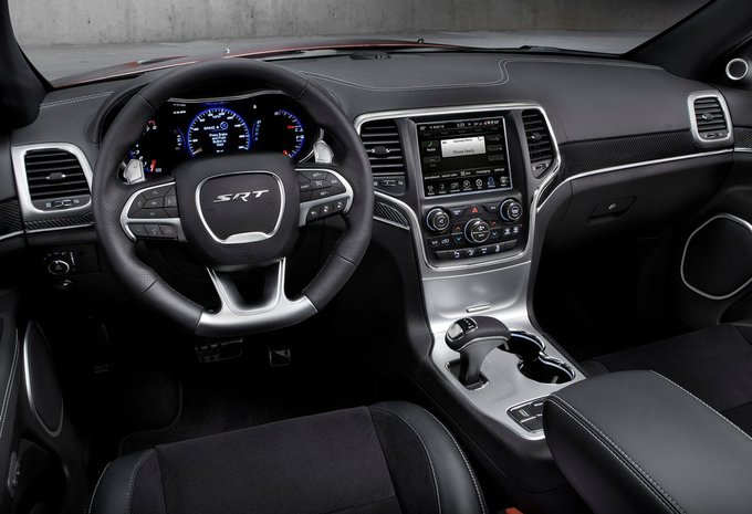 jeep grand cherokee 3 6l v6 overland auto 2017 prix moniteur automobile. Black Bedroom Furniture Sets. Home Design Ideas