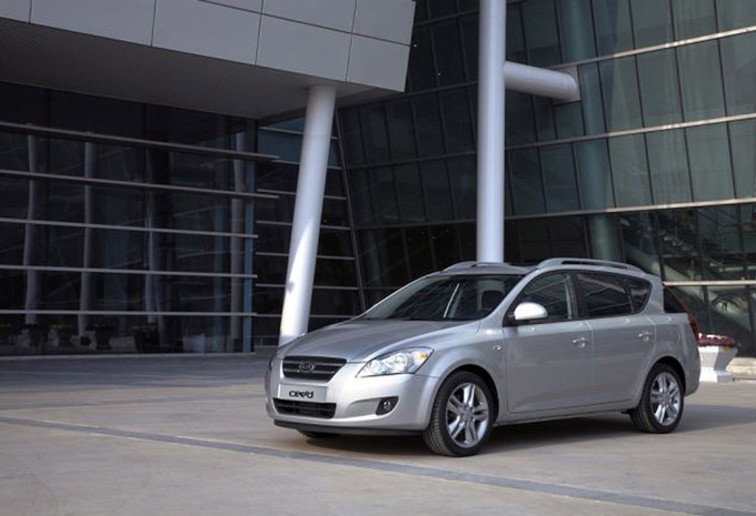 kia cee 39 d sw 1 6 crdi 115 blueconnect isg ecodynamics 2007 prix moniteur automobile. Black Bedroom Furniture Sets. Home Design Ideas