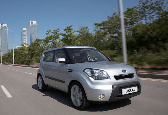 kia soul 1 6 crdi pure 2009 prix moniteur automobile. Black Bedroom Furniture Sets. Home Design Ideas